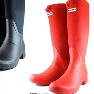 Red canvas Hunter boots